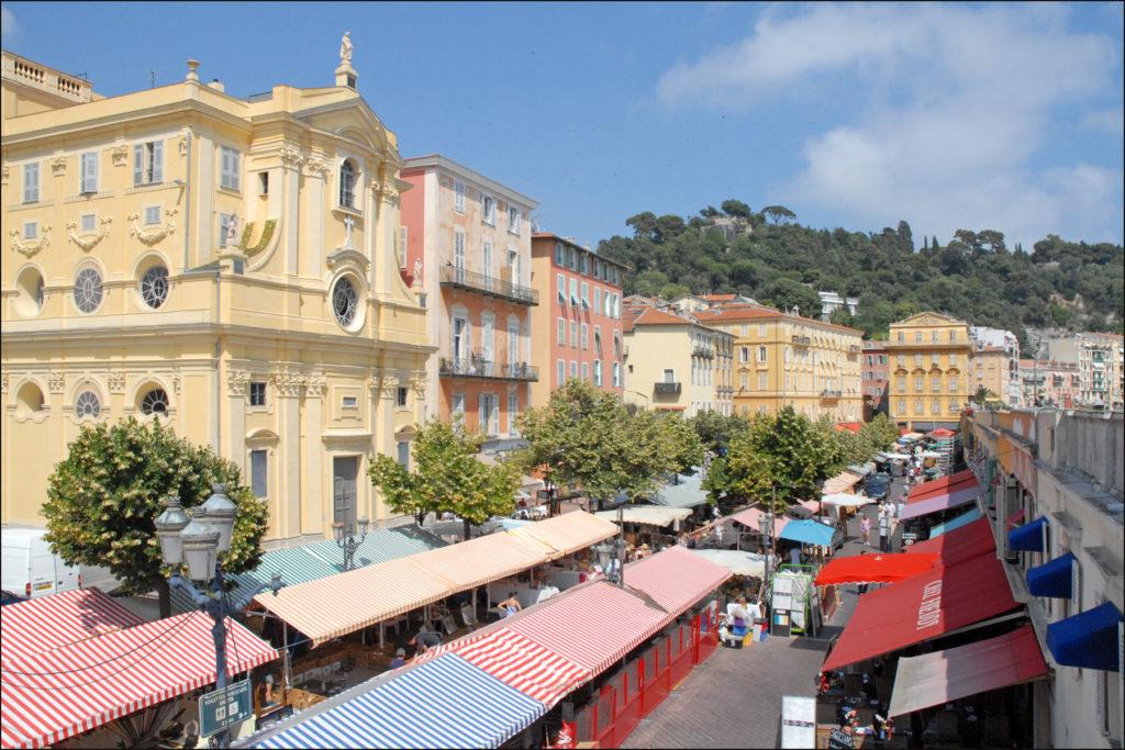 Рынок на площади Салейя